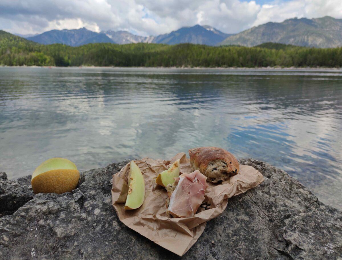 Jídlo na treky: Jak si pochutnat a odlehčit batohu?